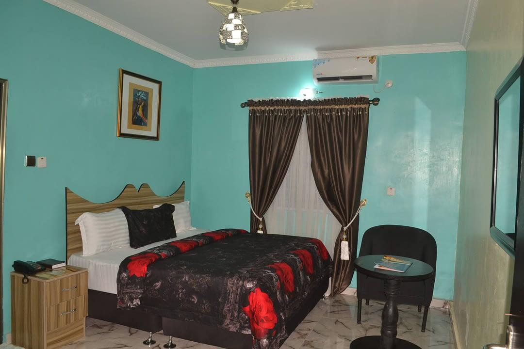 royale suite sentiero hotels